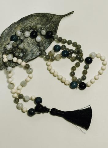 Mala Labradorite + Blue Apatite – transformation – protection – creativity: 3rd Manipura + 5th Vishuddha + 6th Ajna Chakra's (solar plexus, throat and third eye) handcrafted by Fia