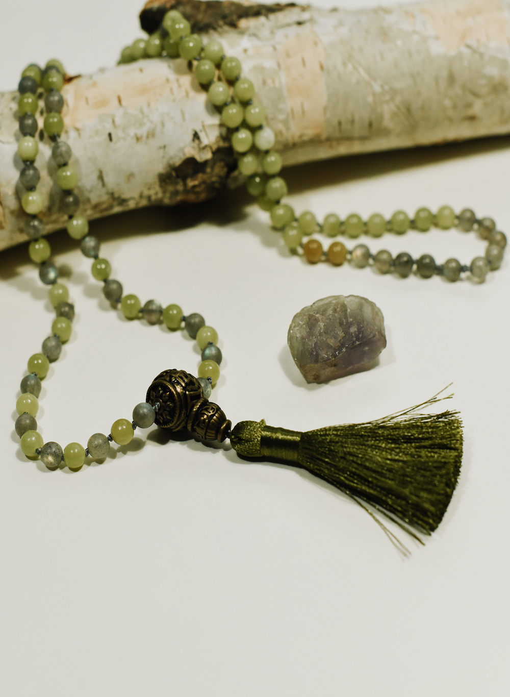 Mala Serpentine Jade + Labradorite – self healing – wisdom: All Chakra's – Muladhara, Swadhisthana, Manipura, Anahata, Vishuddha, Ajna and Sahasrara (root, naval,solar plexus, heart, throat, third eye and crown) handcrafted by Fia